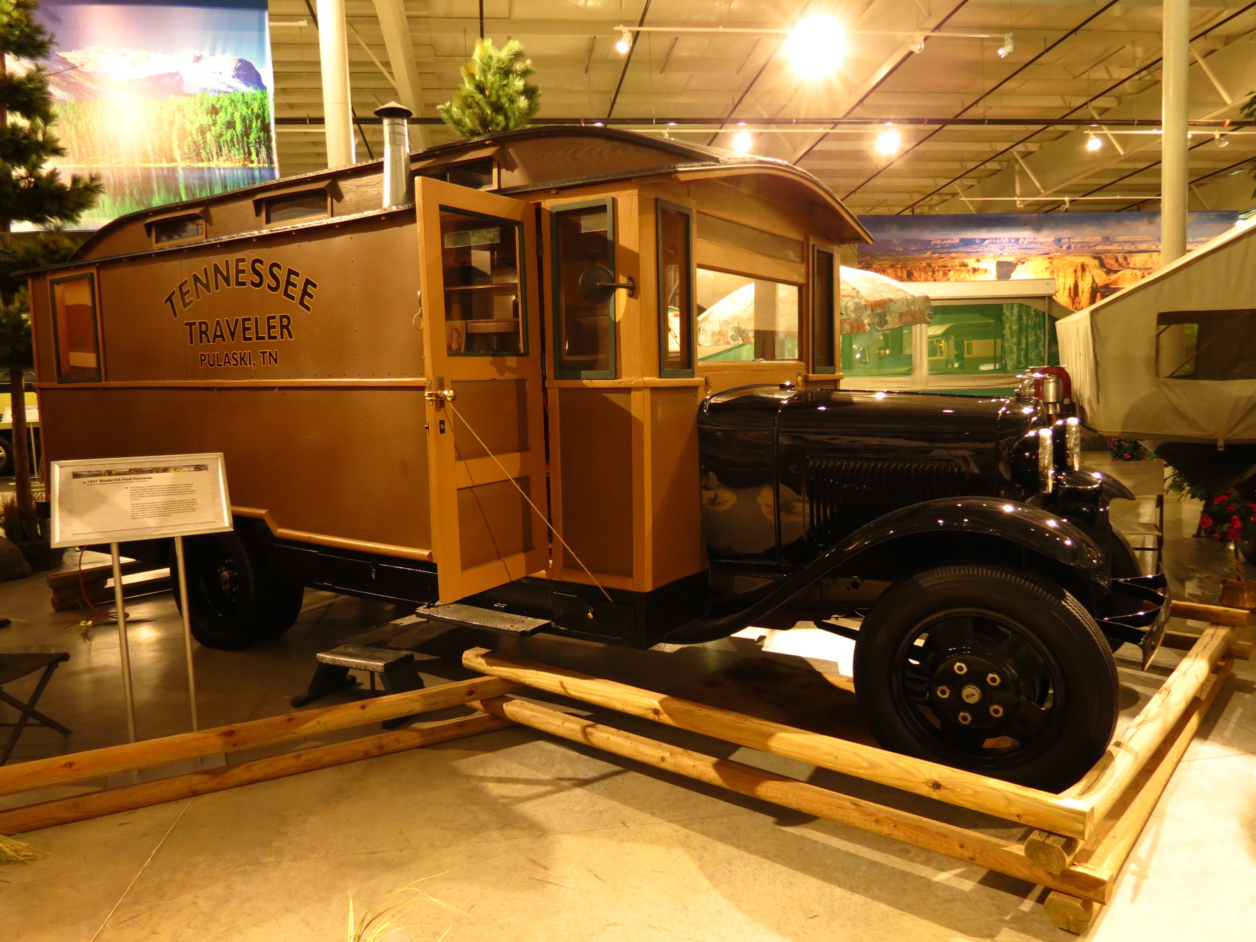 Wonderful RV Hall Of Fame Receives Historic Fleetwood RVs