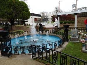 Graceland 27