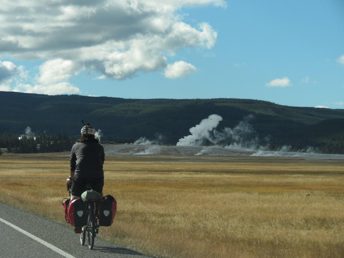 geyser-landscape-1