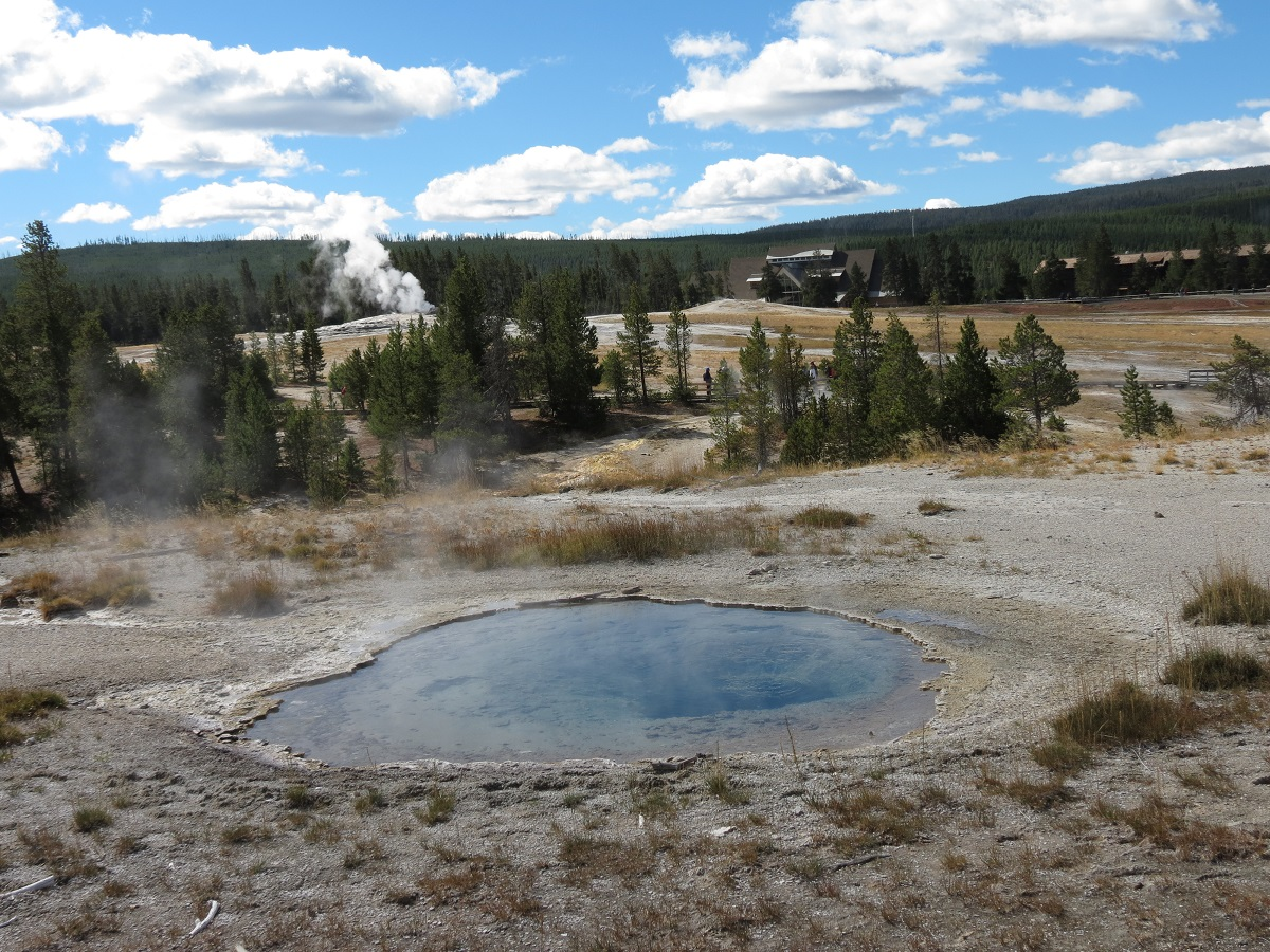 geyser-landscape-2