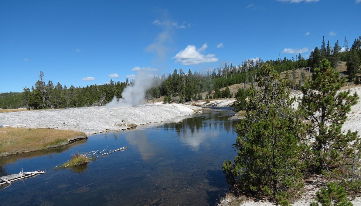 geyser-landscape-5